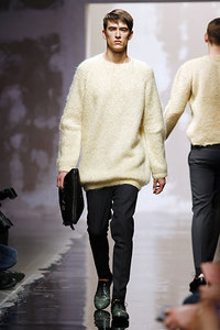 00290m_prada_volume_sweater